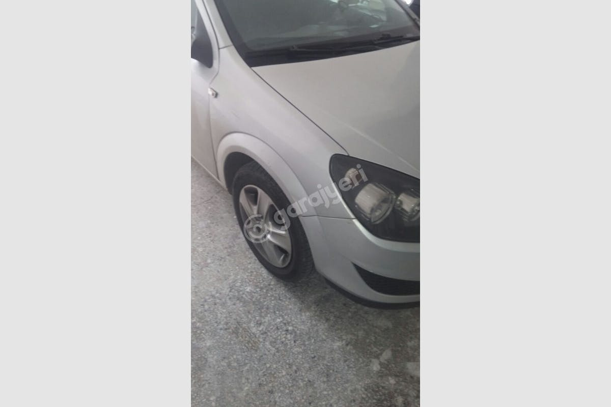 Opel Astra Ümraniye Kiralık Araç 2. Fotoğraf