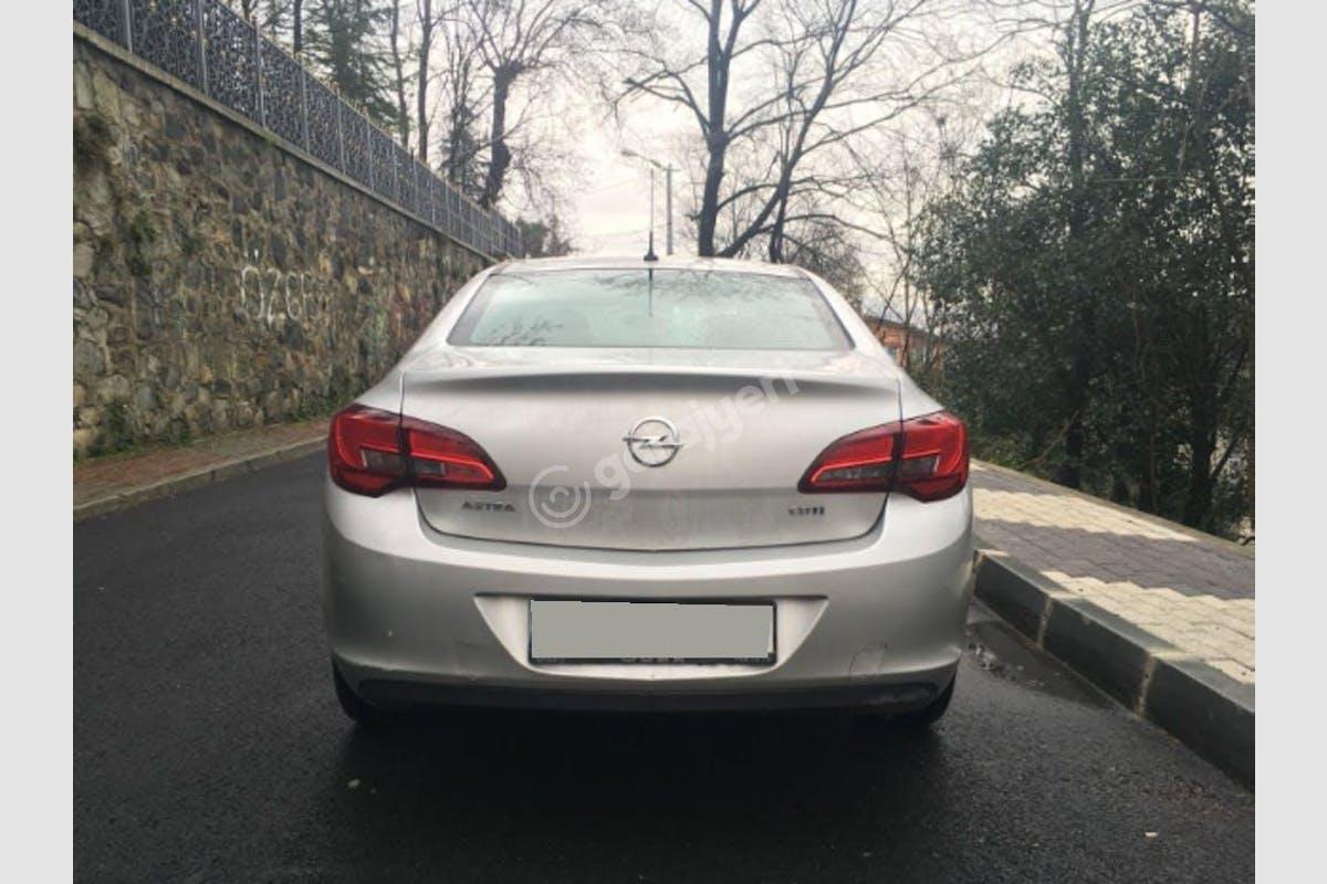 Opel Astra Sarıyer Kiralık Araç 5. Fotoğraf