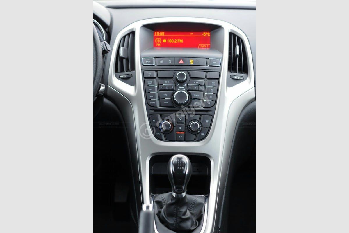 Opel Astra Sedan Merkez Kiralık Araç 7. Fotoğraf