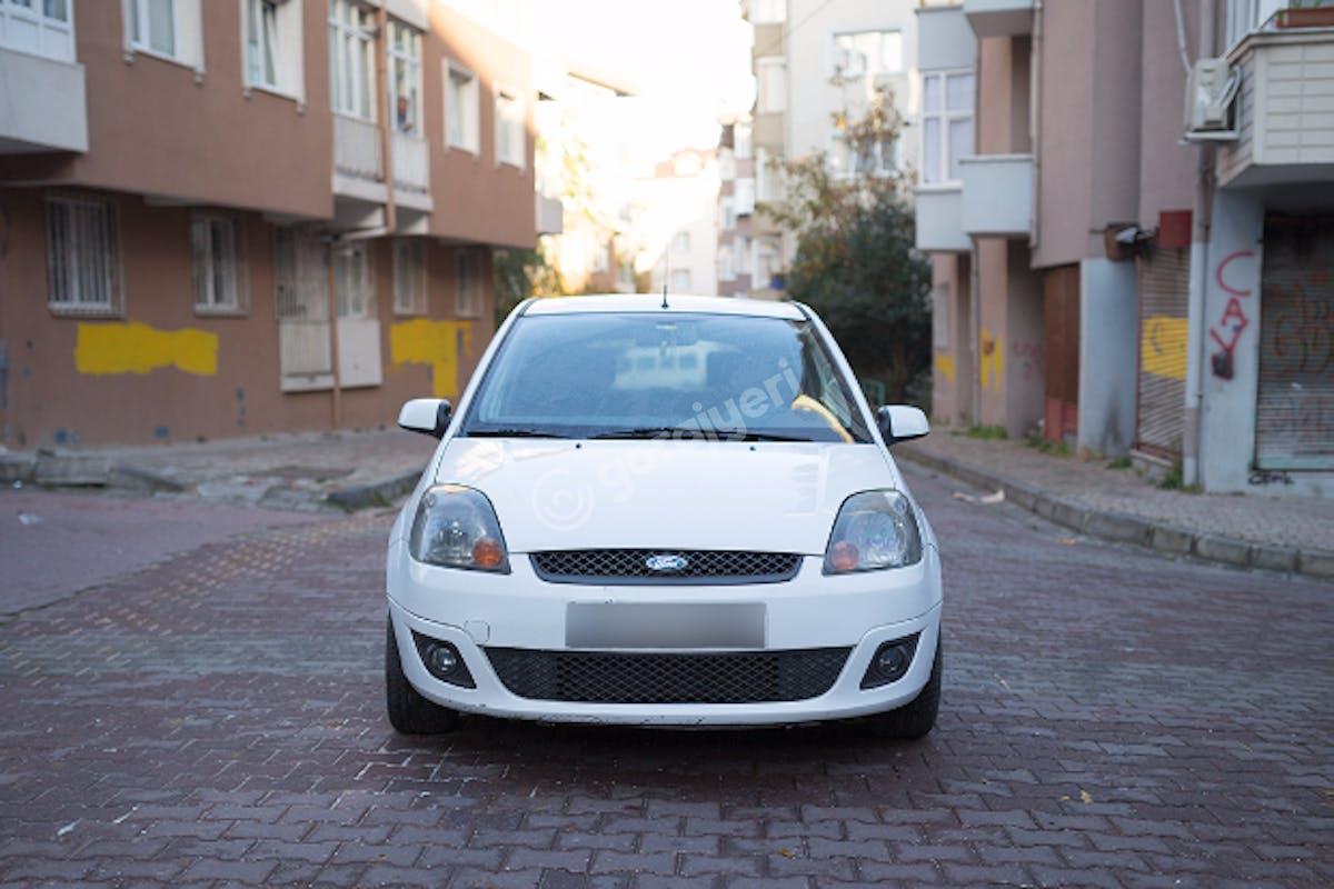 Ford Fiesta Bahçelievler Kiralık Araç 2. Fotoğraf