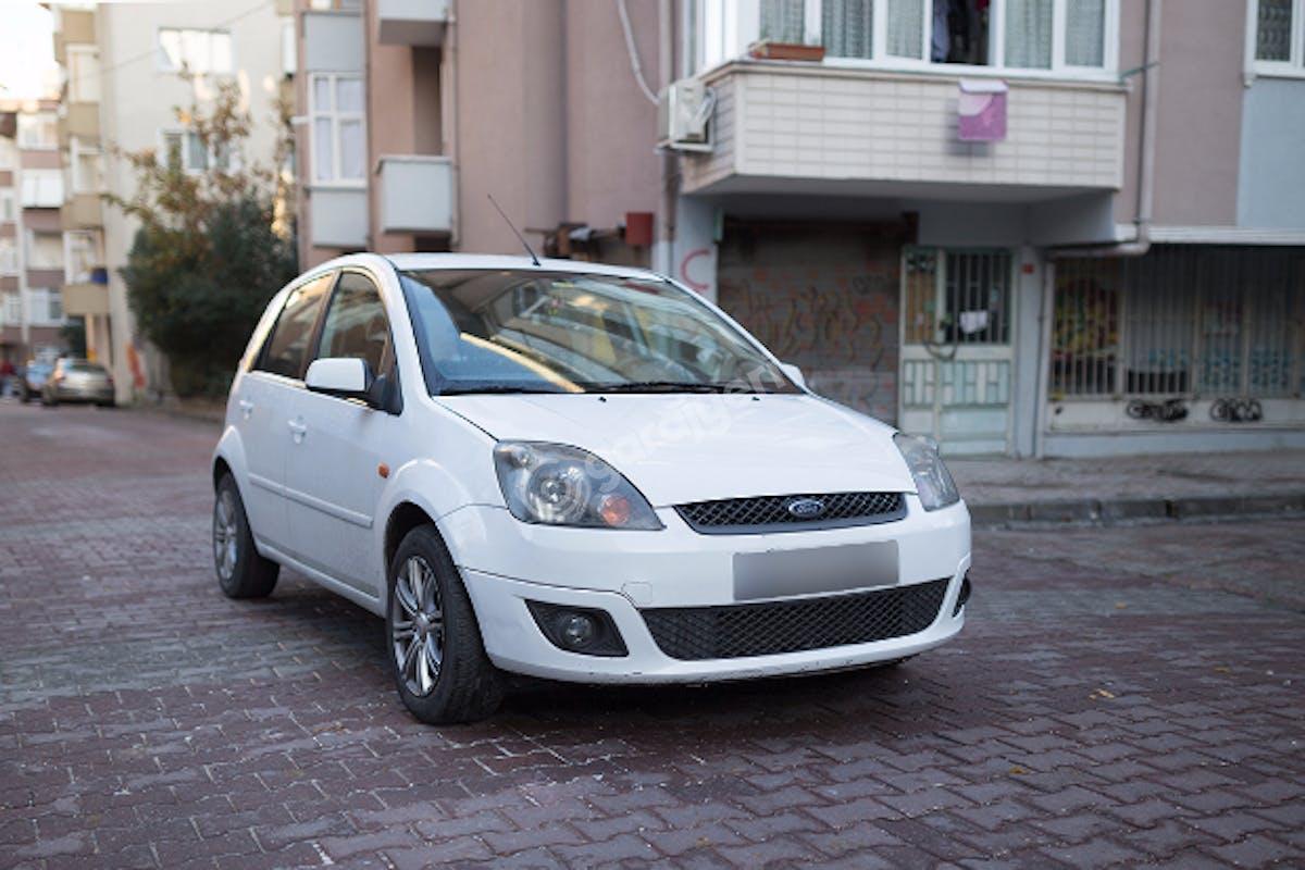 Ford Fiesta Bahçelievler Kiralık Araç 1. Fotoğraf
