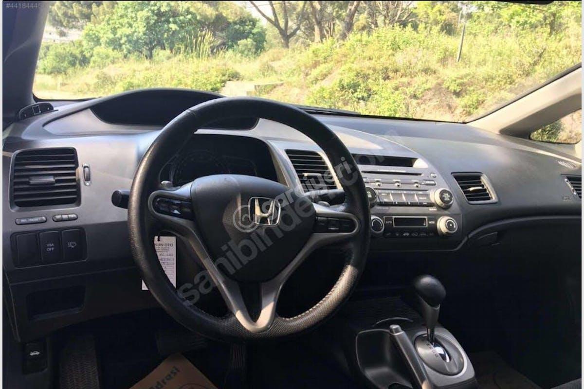 Honda Civic Maltepe Kiralık Araç 3. Fotoğraf