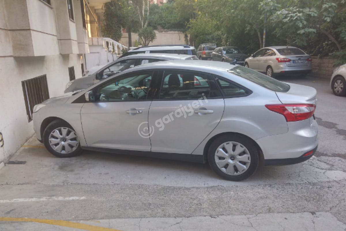 Ford Focus Kadıköy Kiralık Araç 3. Fotoğraf