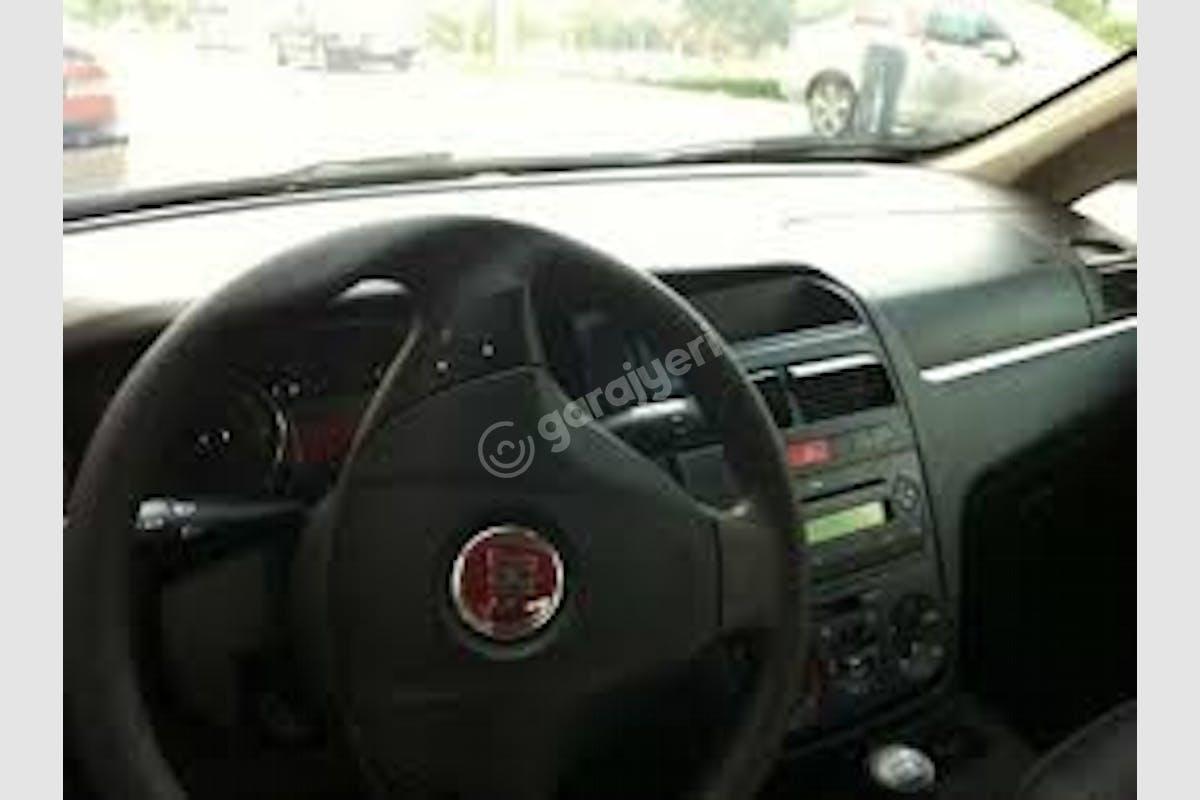 Fiat Linea Bağcılar Kiralık Araç 8. Fotoğraf