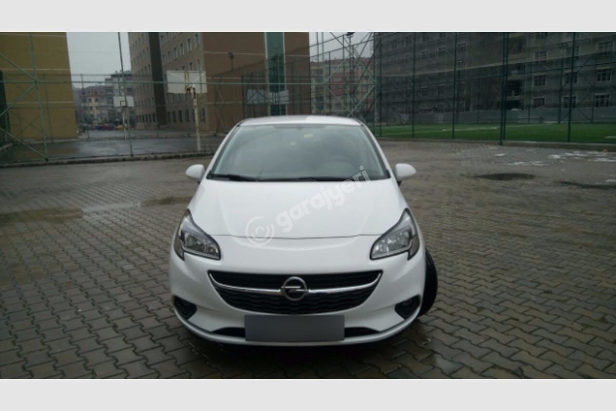 Opel Corsa Esenler Kiralık Araç 3. Fotoğraf