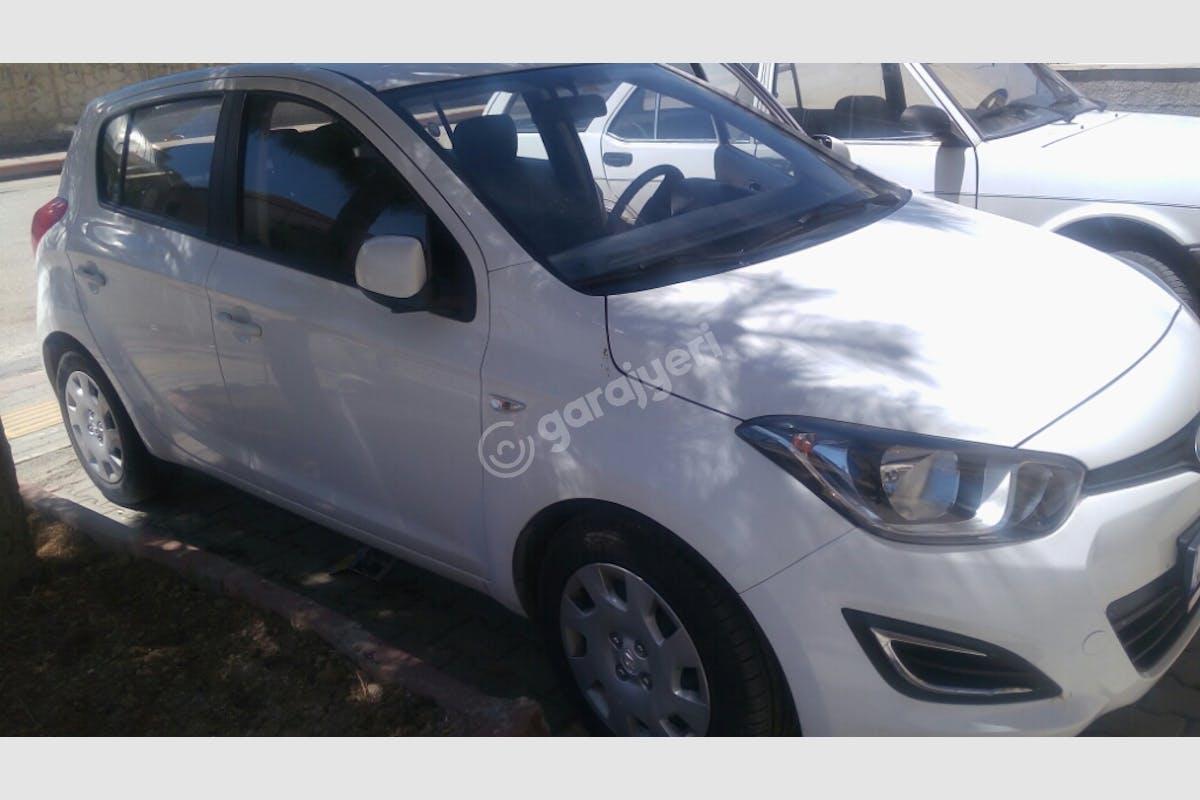 Hyundai i20 Çankaya Kiralık Araç 1. Fotoğraf