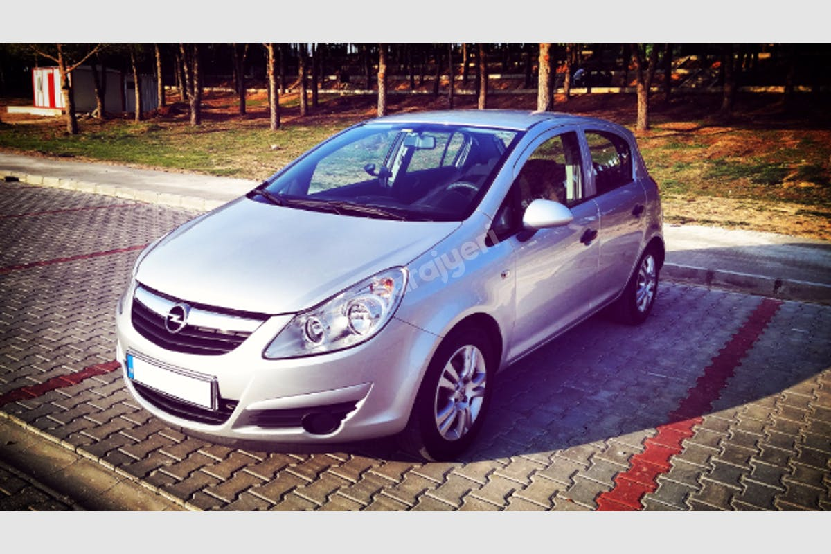 Opel Corsa Merkez Kiralık Araç 1. Fotoğraf