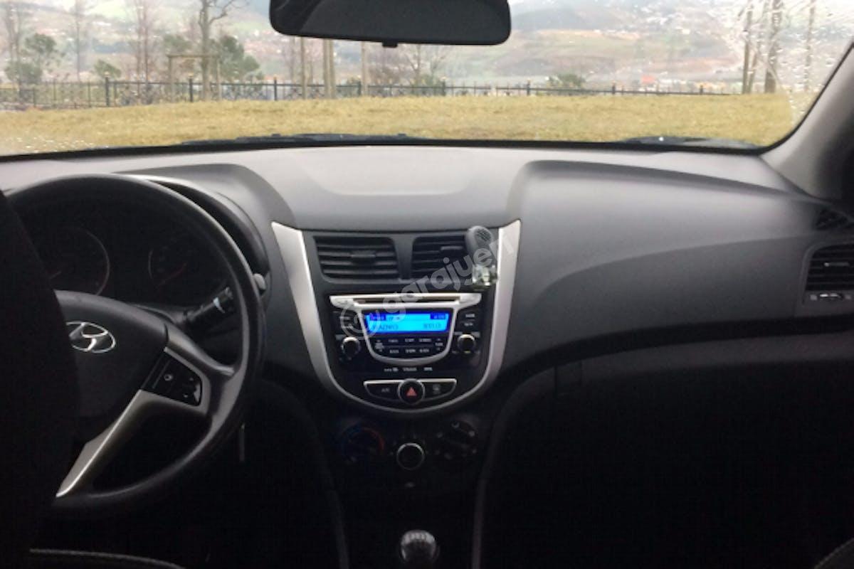 Hyundai Accent Ümraniye Kiralık Araç 7. Fotoğraf
