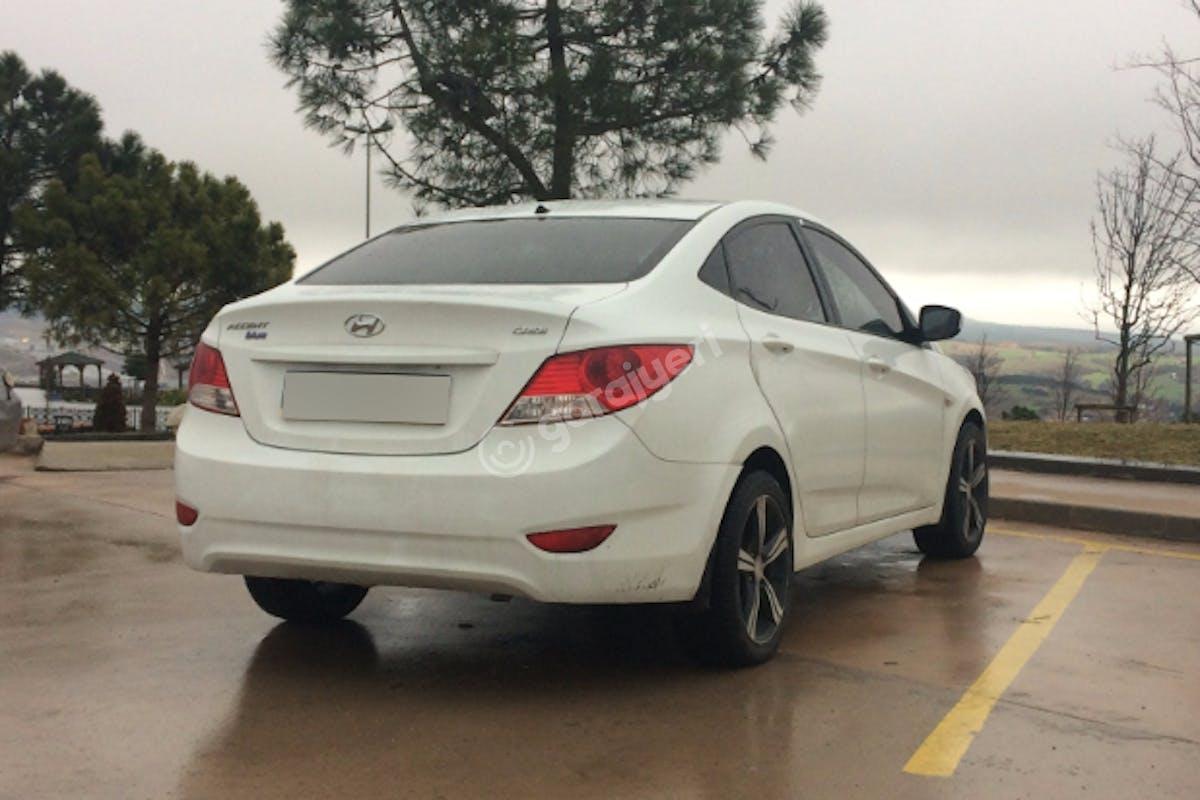 Hyundai Accent Ümraniye Kiralık Araç 5. Fotoğraf