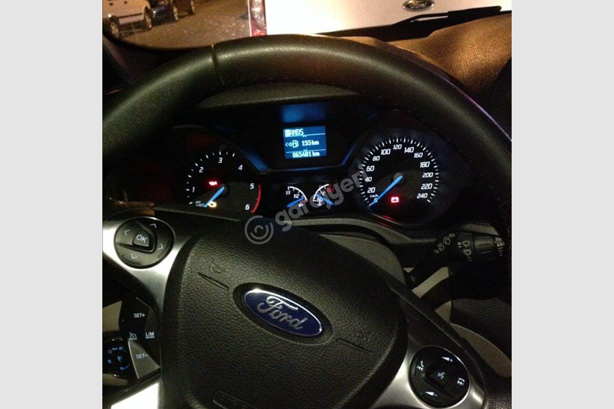 Ford Connect Merkez Kiralık Araç 4. Fotoğraf