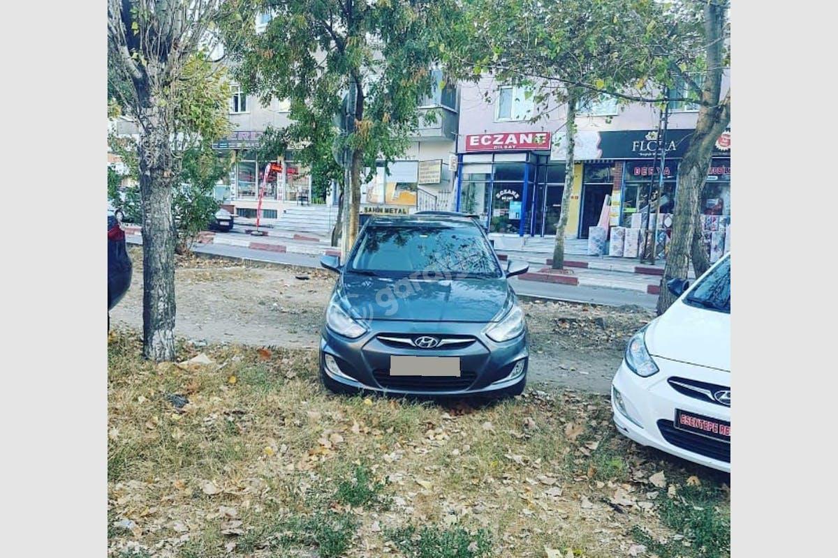 Hyundai Accent Blue Kartal Kiralık Araç 3. Fotoğraf