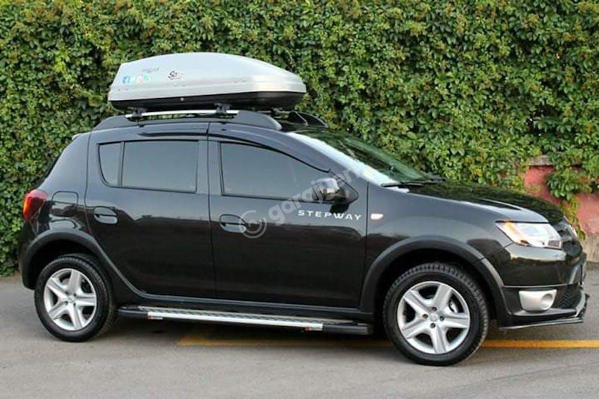 Dacia Sandero Stepway Keçiören Kiralık Araç 4. Fotoğraf
