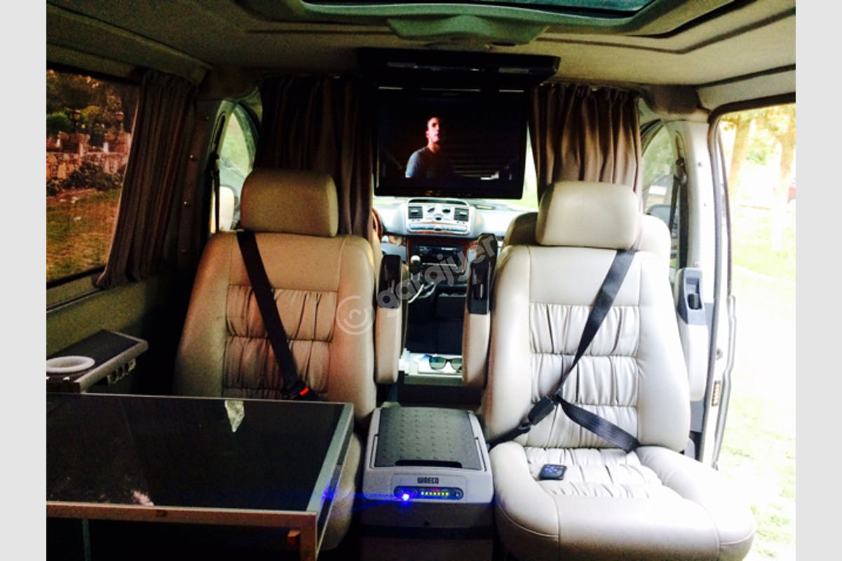 Mercedes - Benz Vito Çine Kiralık Araç 3. Fotoğraf