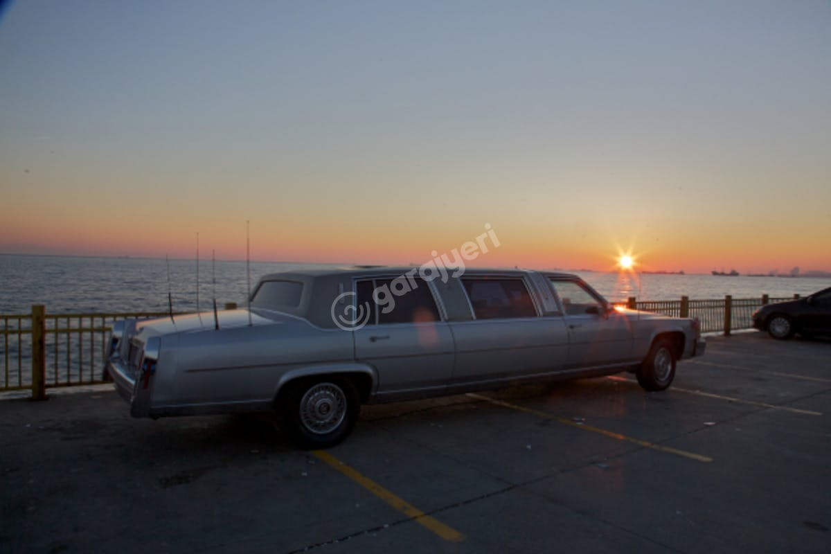 Cadillac STS Fatih Kiralık Araç 1. Fotoğraf