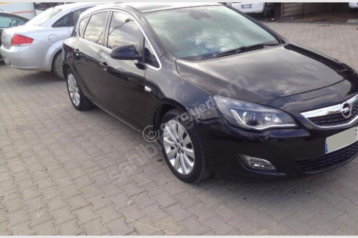 Opel Astra Konak Kiralık Araç 2. Fotoğraf