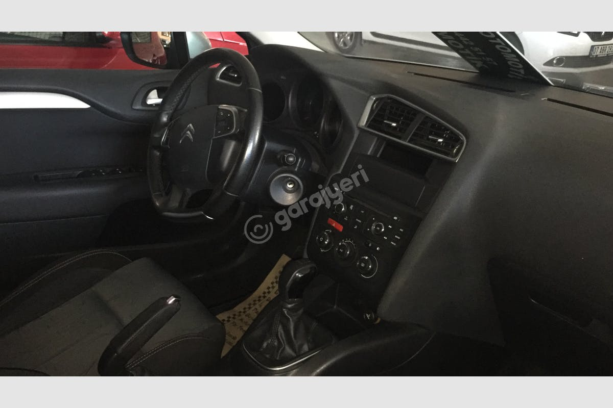 Citroën C4 Konyaaltı Kiralık Araç 2. Fotoğraf