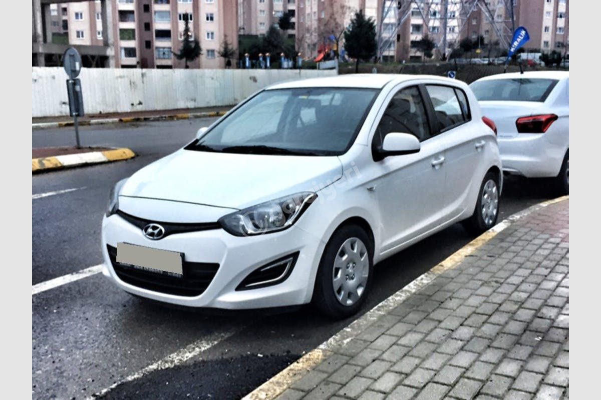 Hyundai i20 Pendik Kiralık Araç 5. Fotoğraf