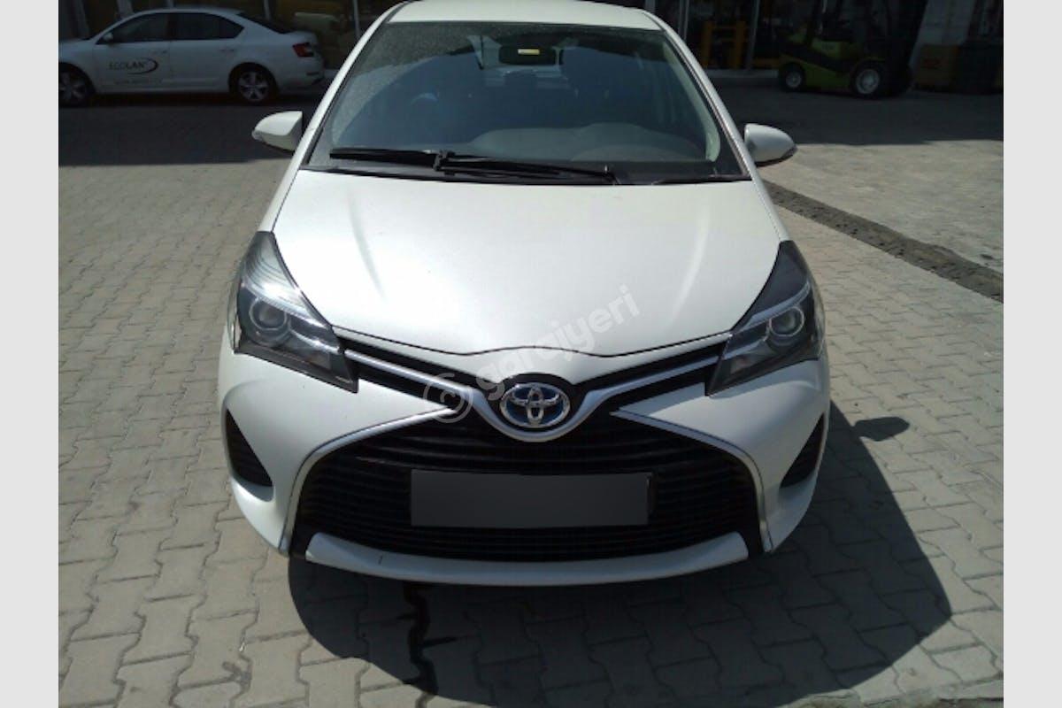 Toyota Yaris Başakşehir Kiralık Araç 1. Fotoğraf
