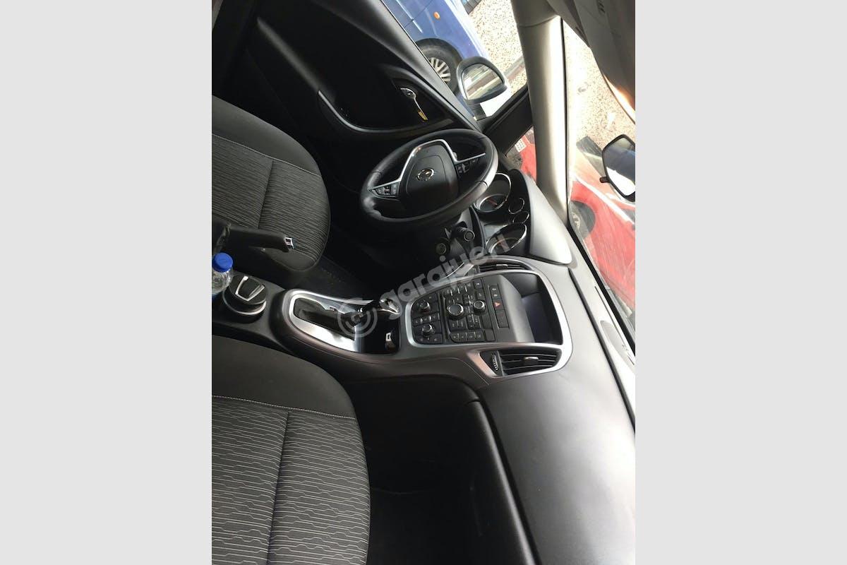 Opel Astra Sedan Şişli Kiralık Araç 3. Fotoğraf