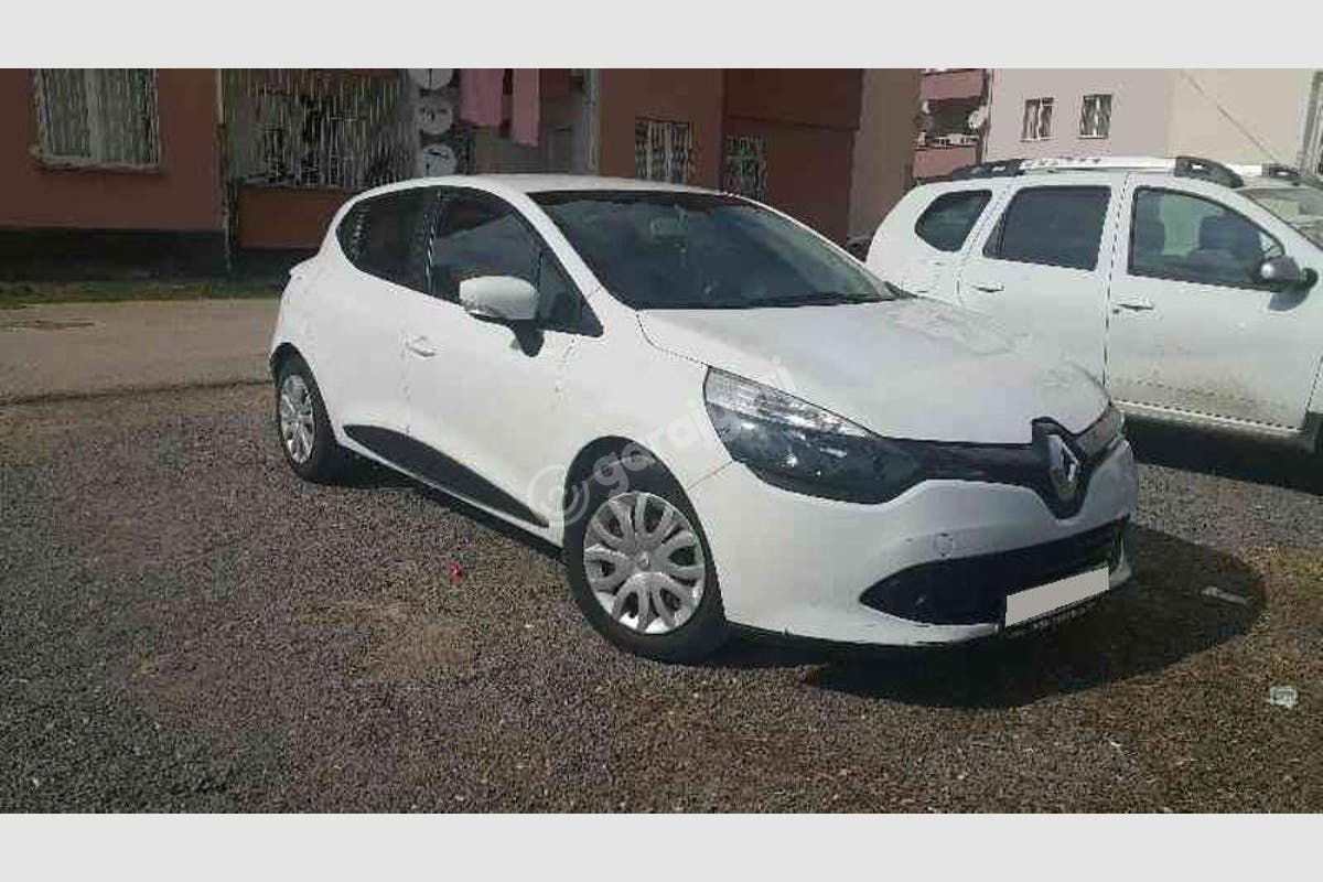 Renault Clio Merkez Kiralık Araç 2. Fotoğraf