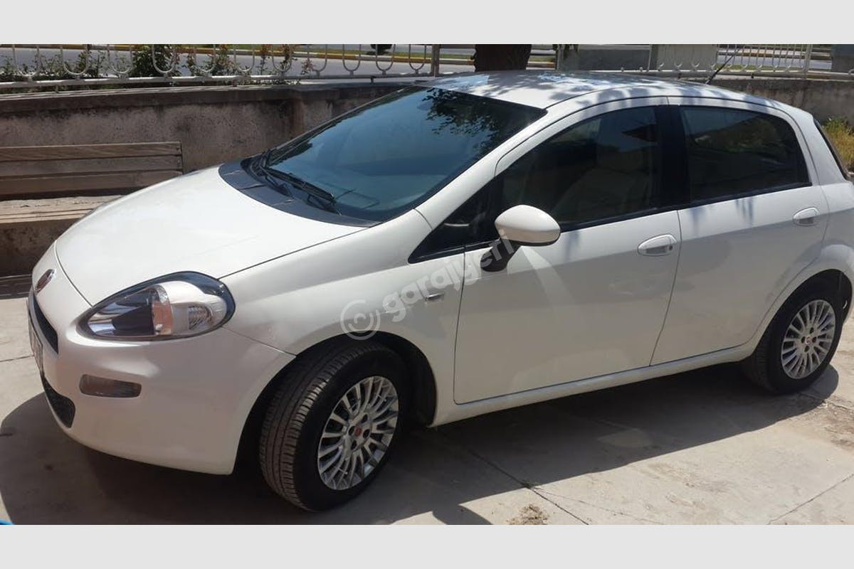 Fiat Punto Akdeniz Kiralık Araç 1. Fotoğraf