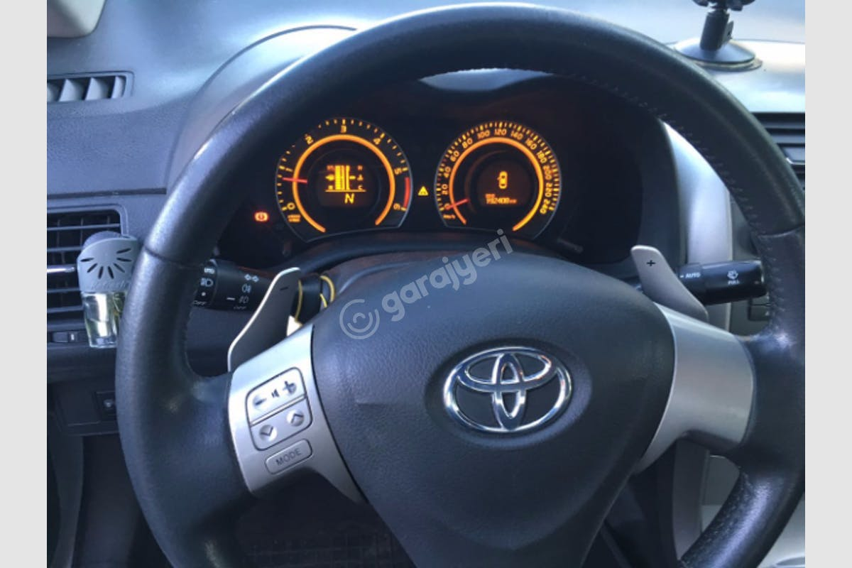 Toyota Corolla Küçükçekmece Kiralık Araç 4. Fotoğraf