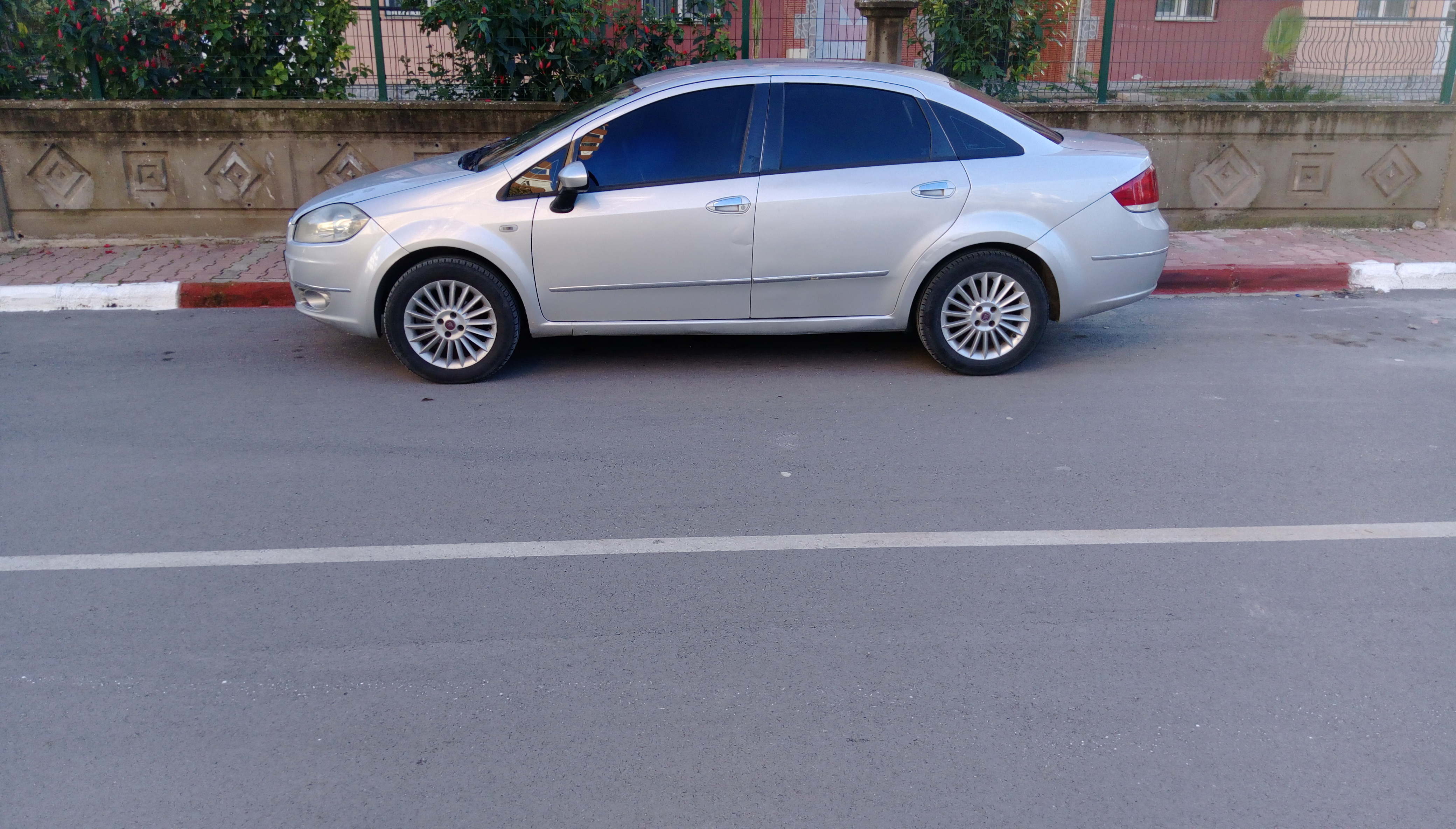 FIAT Linea 2010 Model Dizel Manuel Vites Kiralik Araç - E5F3
