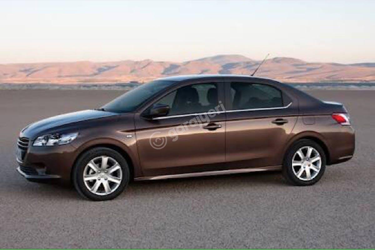 Peugeot 301 Konak Kiralık Araç 1. Fotoğraf