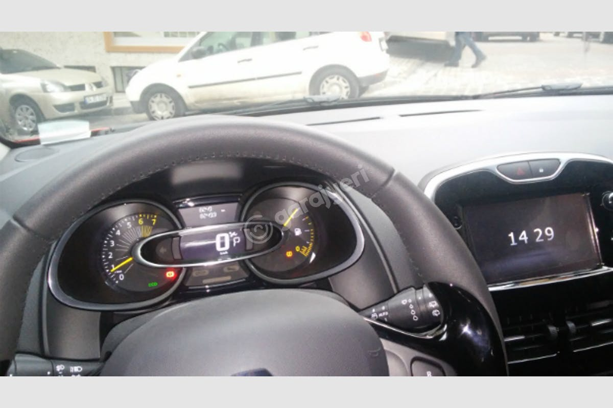 Renault Clio Kağıthane Kiralık Araç 4. Fotoğraf