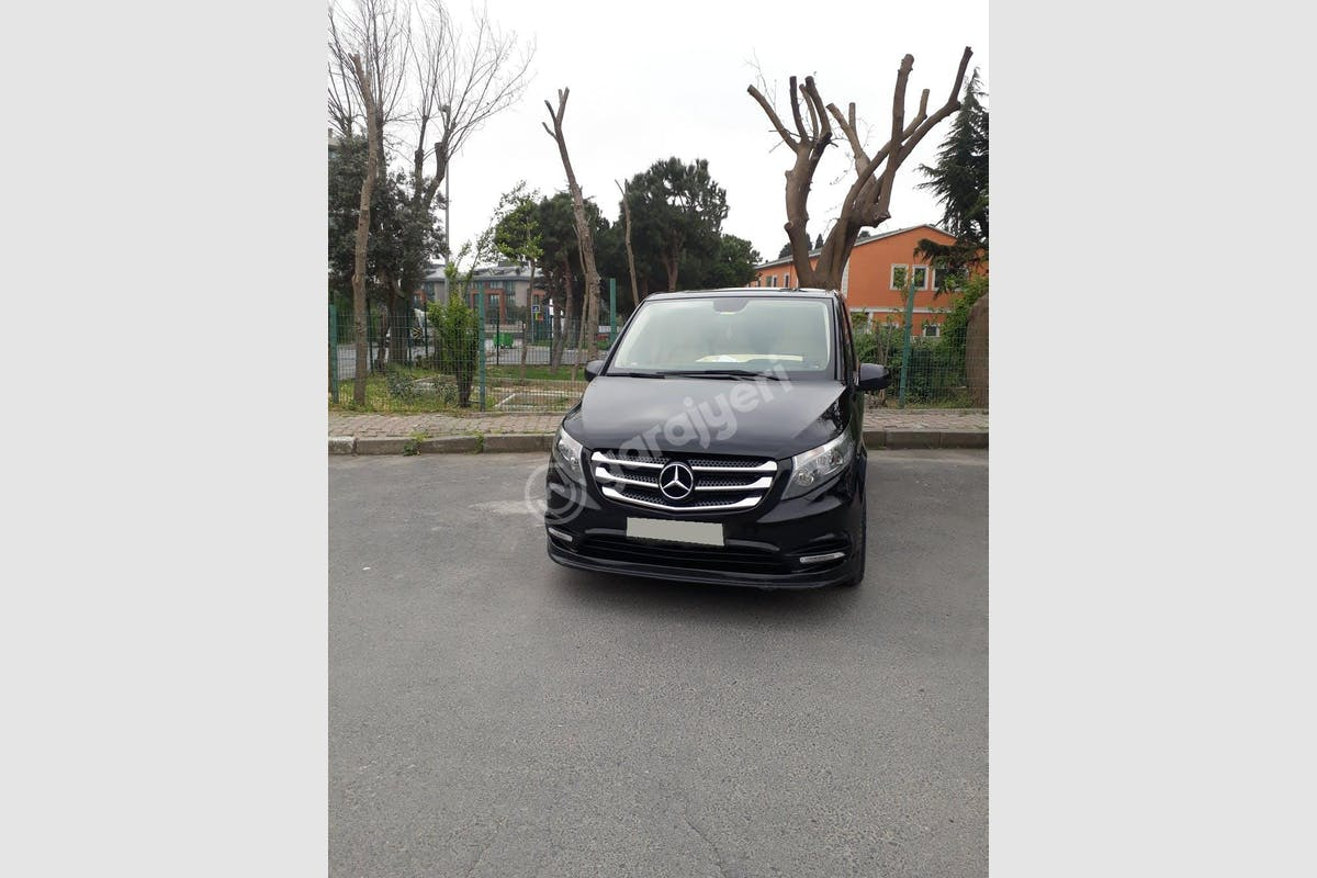 Mercedes - Benz Vito Küçükçekmece Kiralık Araç 1. Fotoğraf