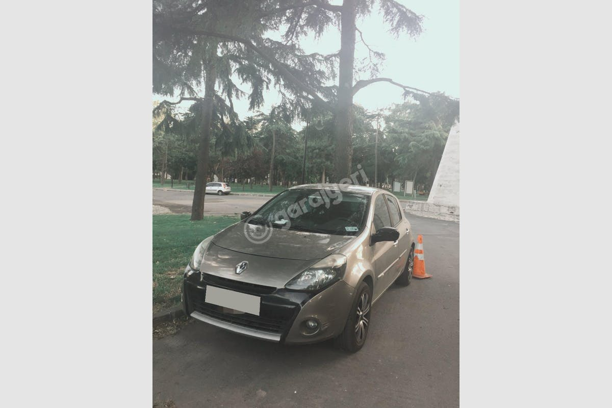 Renault Clio Bayrampaşa Kiralık Araç 1. Fotoğraf