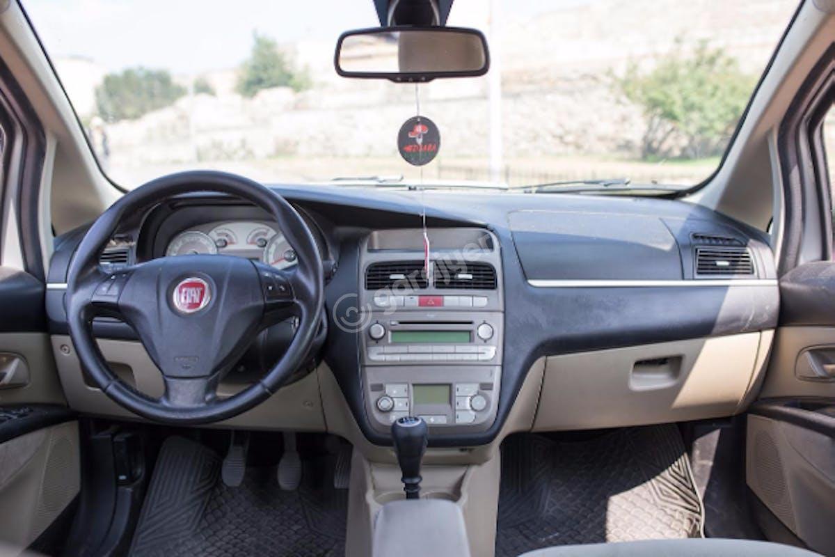 Fiat Linea Fatih Kiralık Araç 9. Fotoğraf