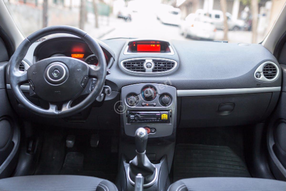 Renault Clio Bahçelievler Kiralık Araç 5. Fotoğraf