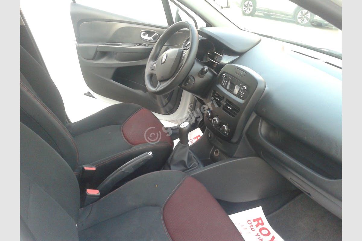 Renault Clio Pendik Kiralık Araç 3. Fotoğraf