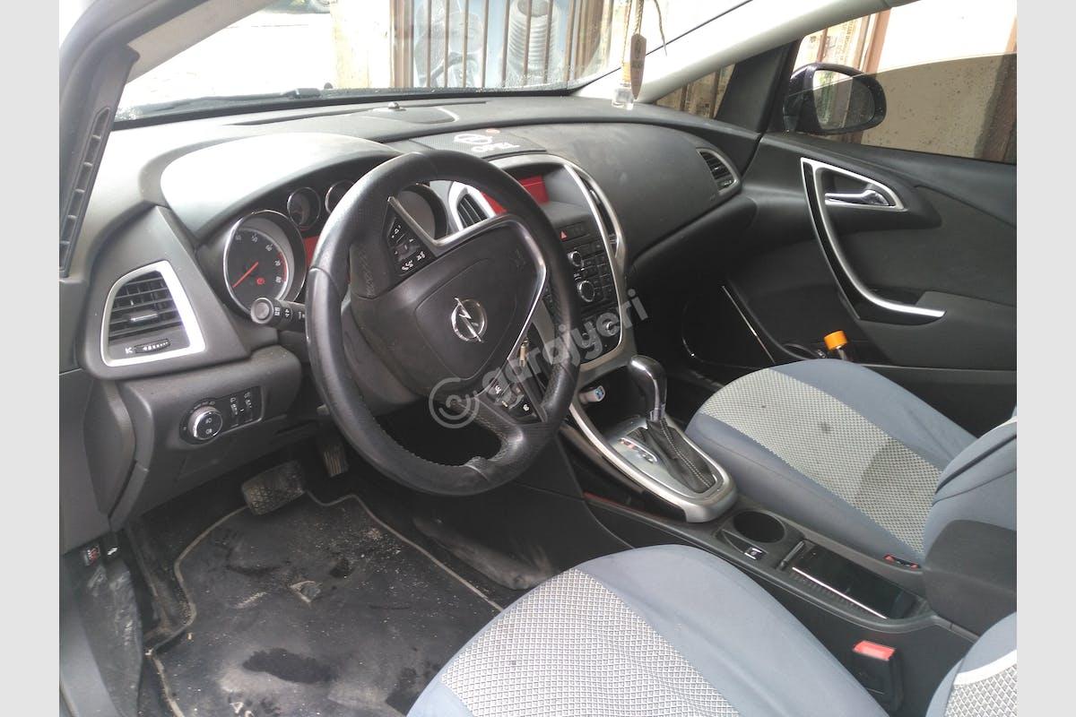 Opel Astra Ataşehir Kiralık Araç 4. Fotoğraf