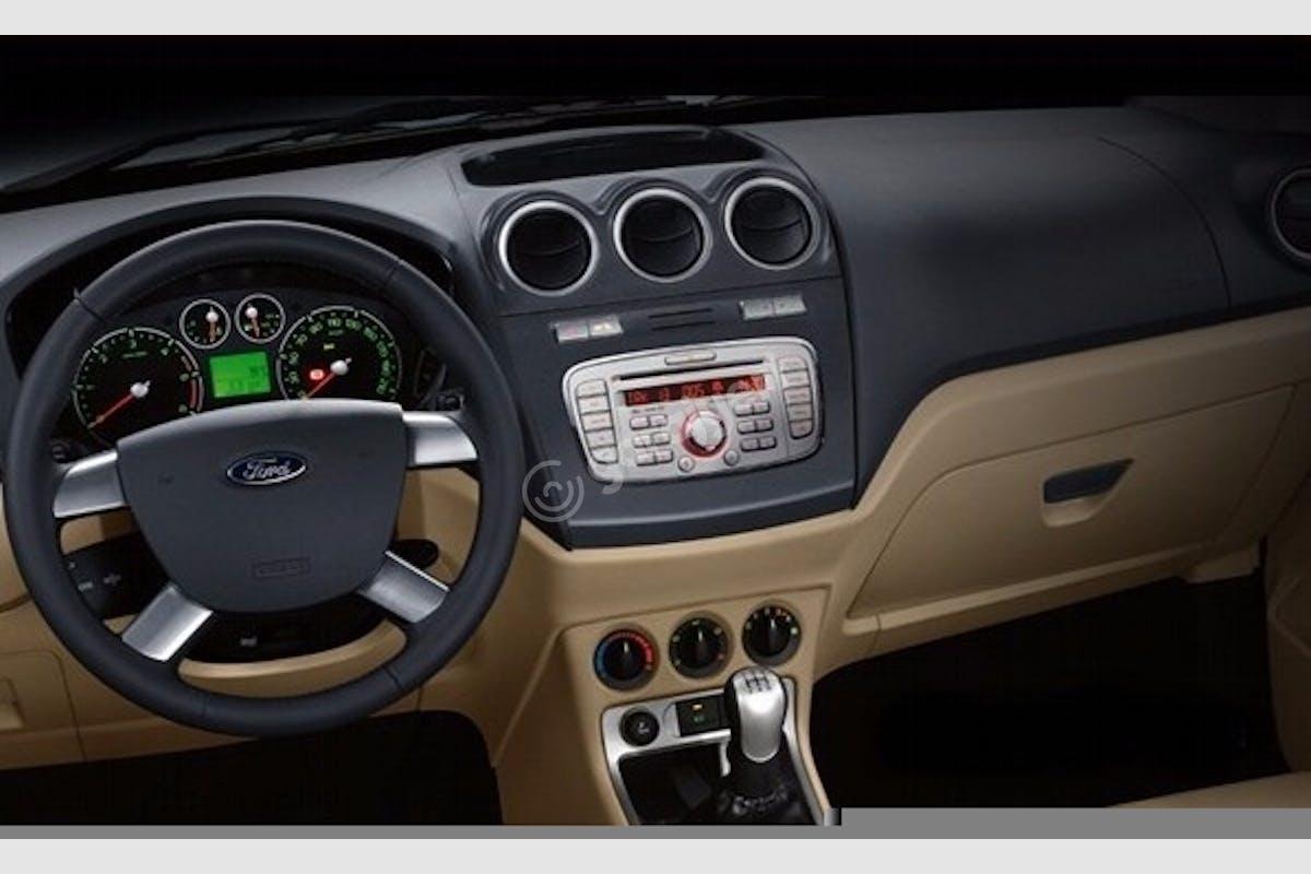 Ford Connect Bağcılar Kiralık Araç 5. Fotoğraf