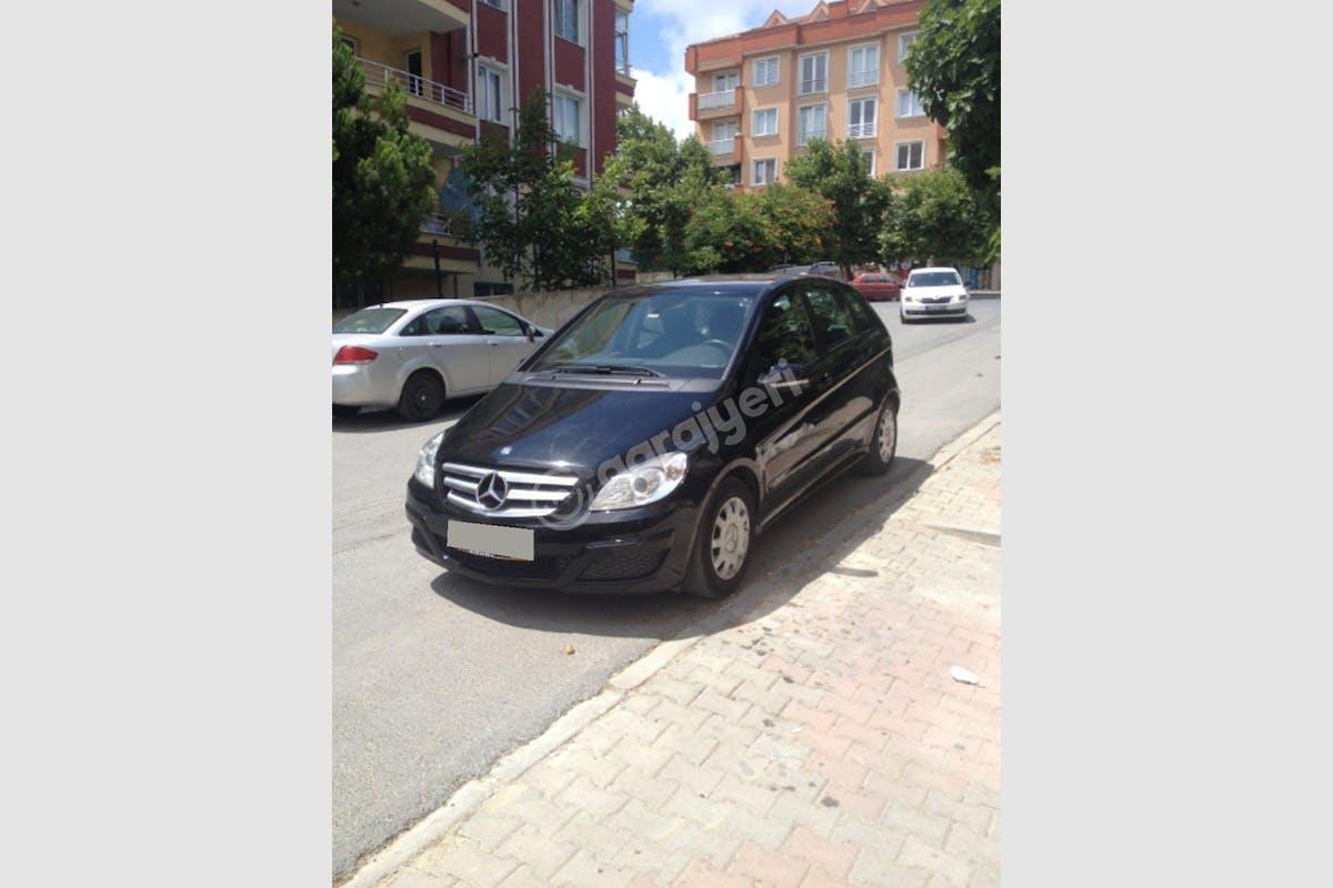 Mercedes - Benz B Büyükçekmece Kiralık Araç 1. Fotoğraf