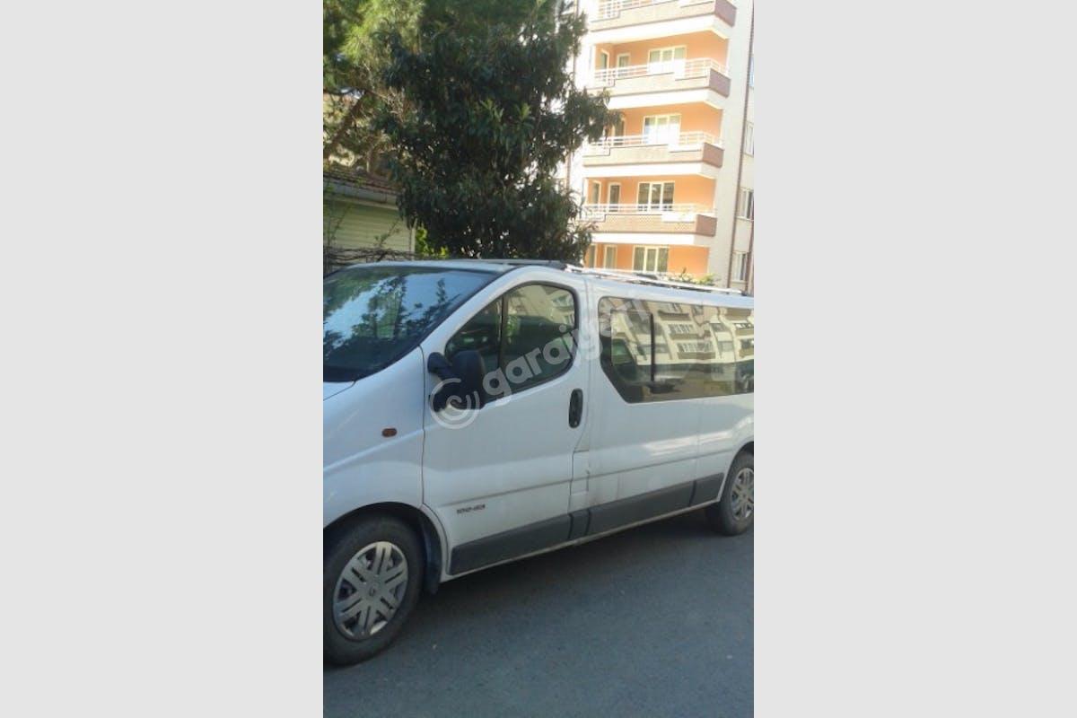Renault Trafic Kartal Kiralık Araç 2. Fotoğraf