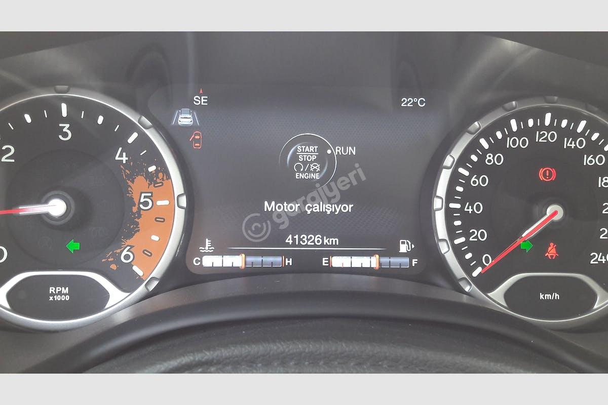 Jeep Renegade Kadıköy Kiralık Araç 4. Fotoğraf