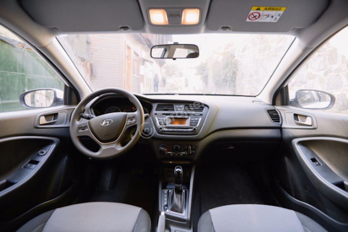 Hyundai i20 Bahçelievler Kiralık Araç 7. Fotoğraf
