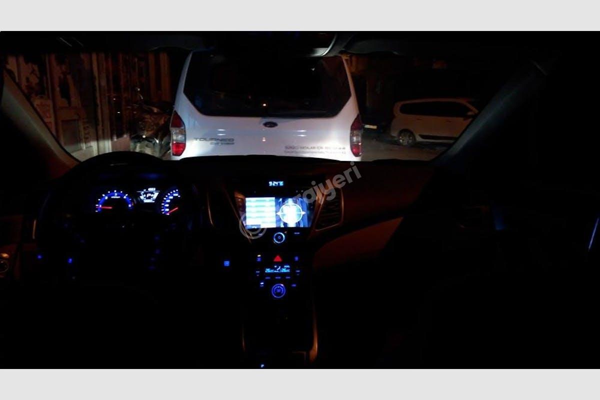 Hyundai Elantra Bahçelievler Kiralık Araç 15. Fotoğraf
