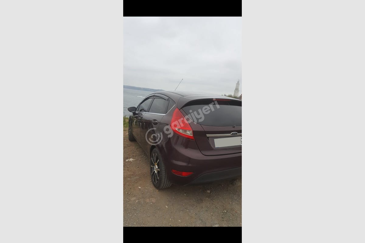 Ford Fiesta Zeytinburnu Kiralık Araç 4. Fotoğraf