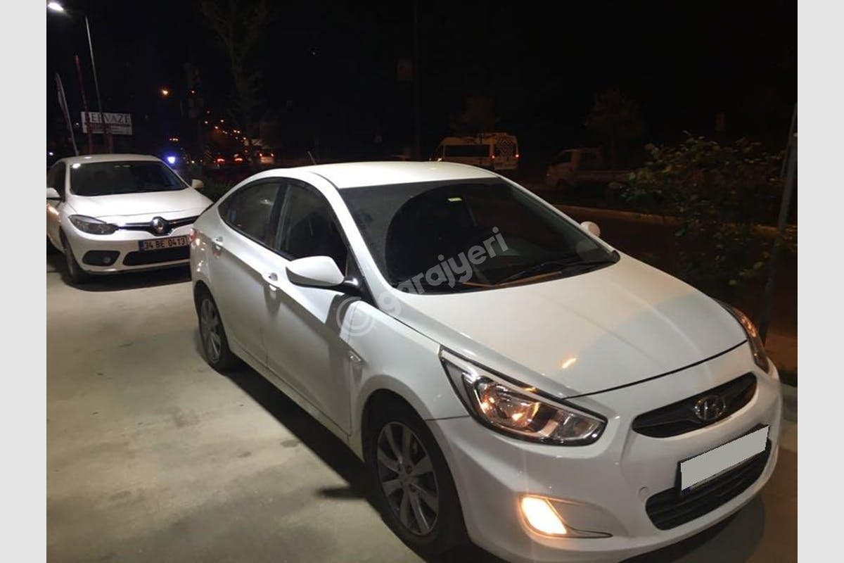 Hyundai Accent Blue Üsküdar Kiralık Araç 3. Fotoğraf