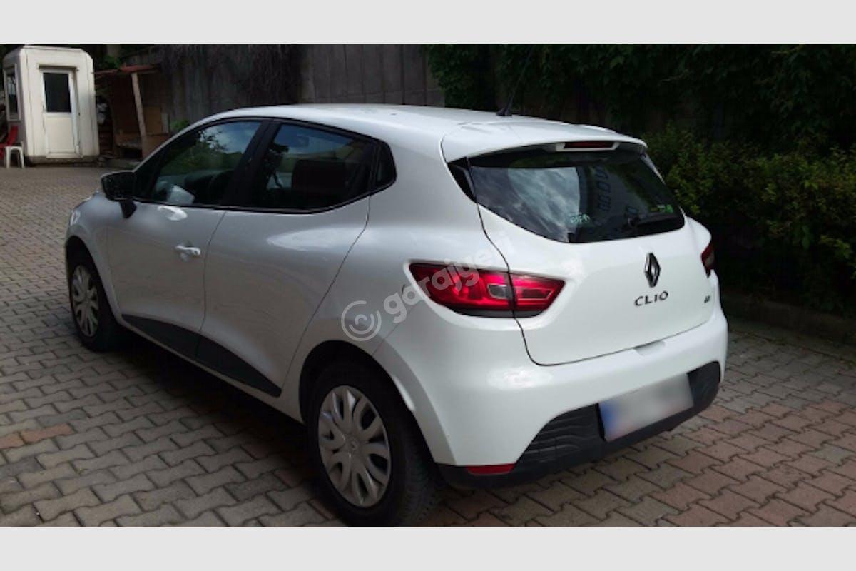 Renault Clio Eyüp Kiralık Araç 3. Fotoğraf