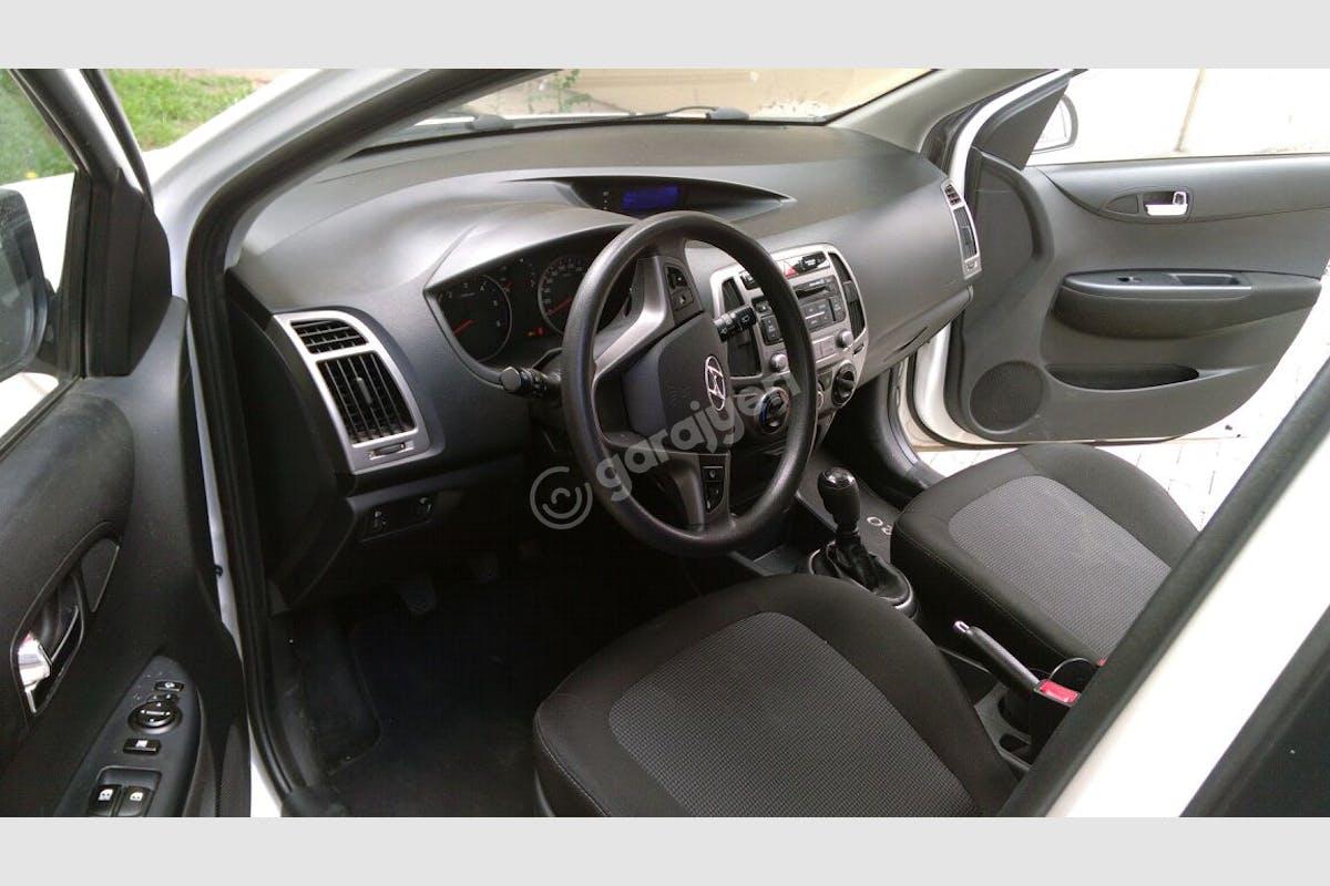 Hyundai i20 Çankaya Kiralık Araç 3. Fotoğraf