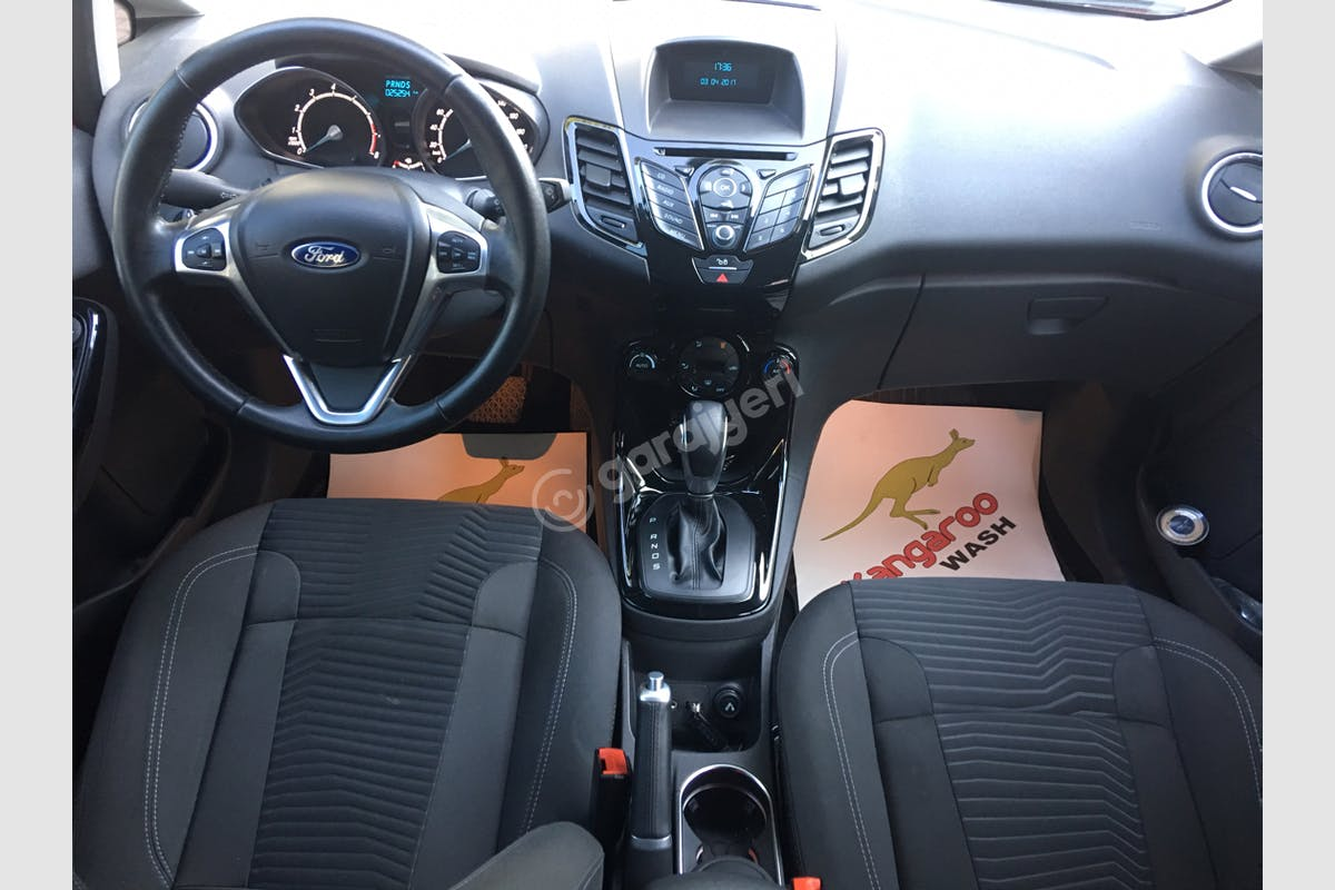 Ford Fiesta Seyhan Kiralık Araç 3. Fotoğraf