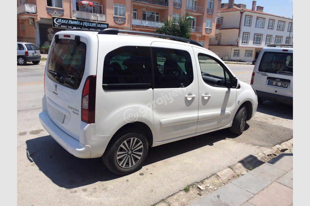 Peugeot Partner Keçiören Kiralık Araç 8. Fotoğraf