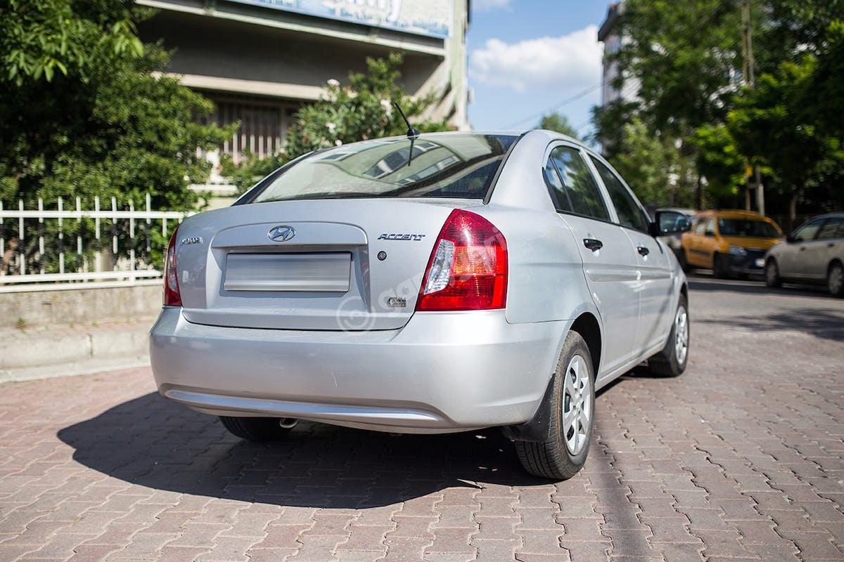 Hyundai Accent Bahçelievler Kiralık Araç 4. Fotoğraf