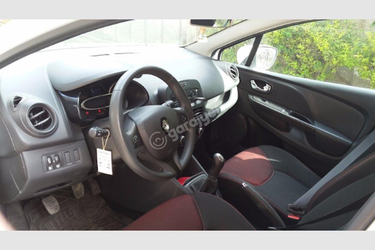 Renault Clio Eyüp Kiralık Araç 2. Fotoğraf