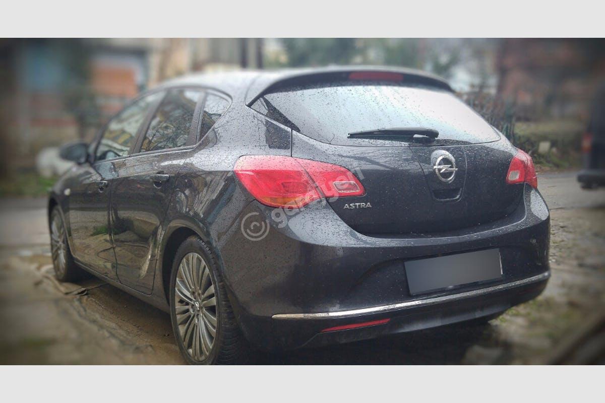 Opel Astra Beykoz Kiralık Araç 4. Fotoğraf
